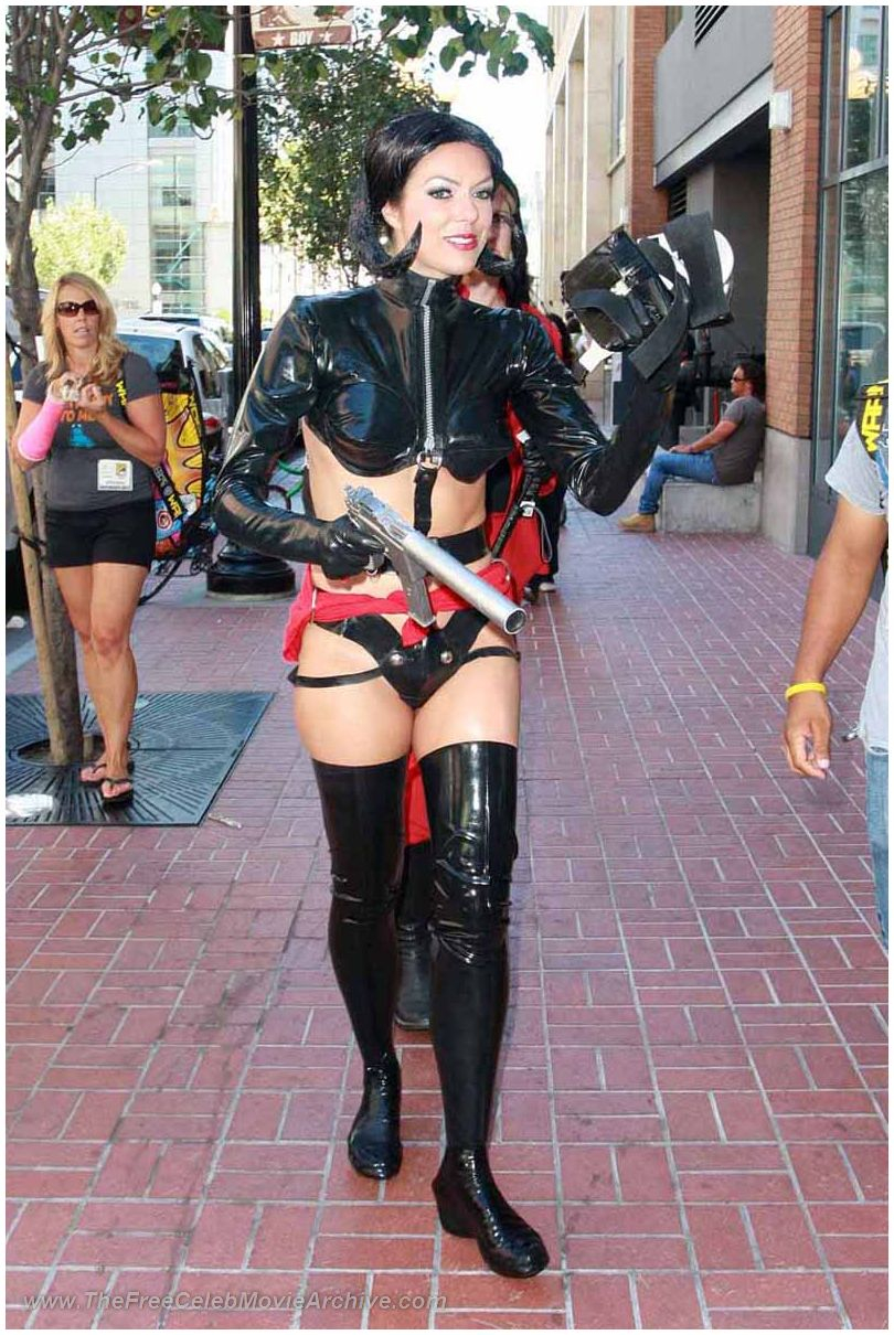 adrianne curry absolutely naked at
